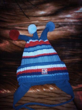 Тёплая двойная шапочка на мальчика от года до трех.
