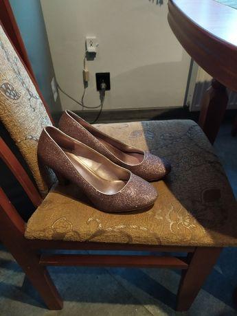Greceland buty nowe na obcasie rozmiar 40
