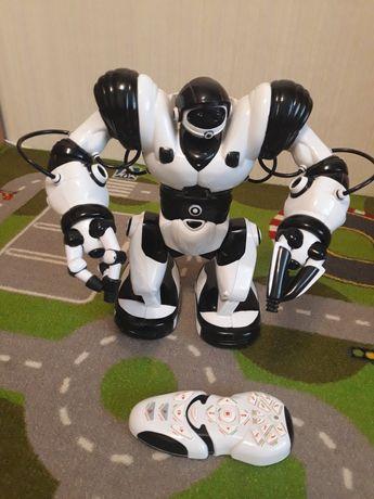 Продам. Робот на радиоуправлении Robosapien от WowWee