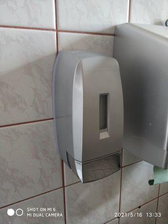 Dozownikdo mydła w płynie 0,5 litra plastik srebrny