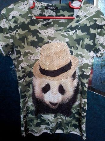 Продам женскую футболку Панда со стразиками,качество отличное