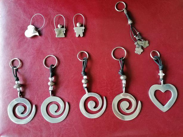 Porta-chaves, pulseiras e colares NOVOS