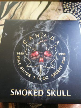 Maple Leaf Smoked Skull