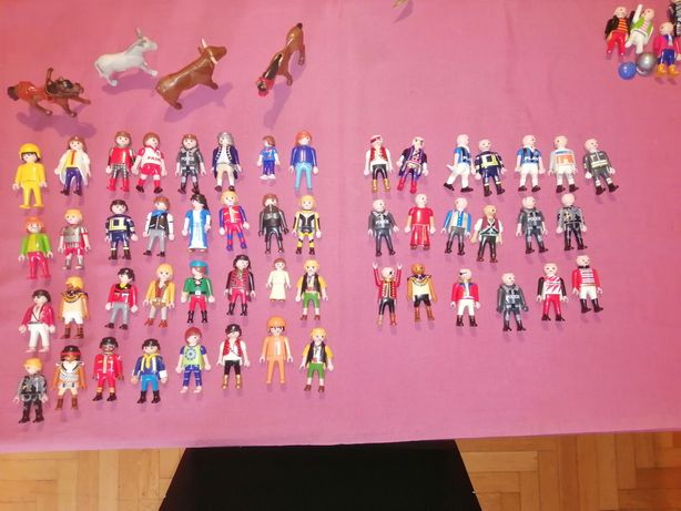 Bonecos e peças playmobil