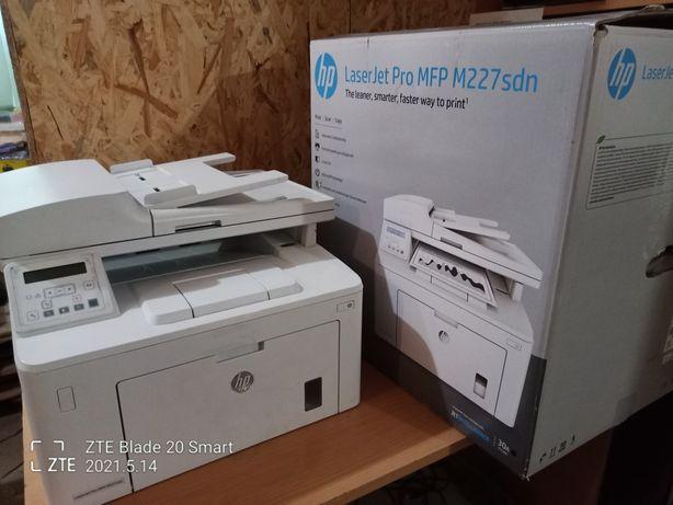 Лазерный принтер Hp М227/заправленый/в хорошем состоянии