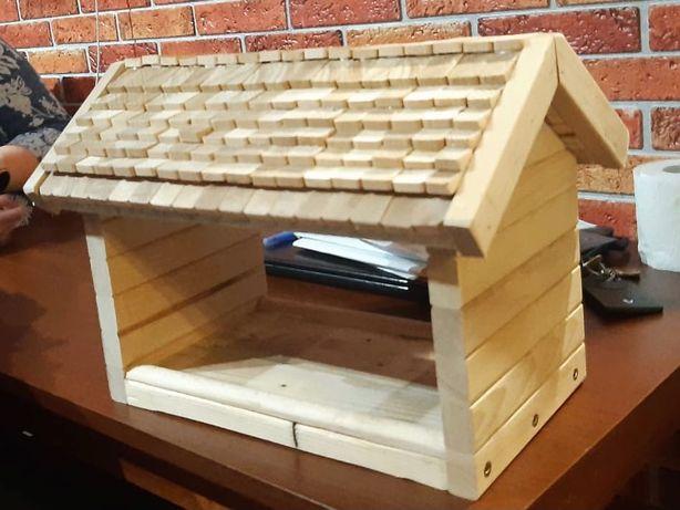 Karmik dla ptaków ręcznie robiony