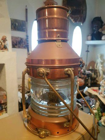 Lanternas marítimas antigas
