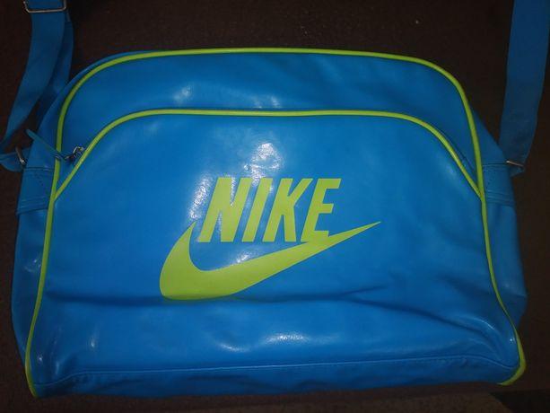 Torba sportowa na ramię Nike