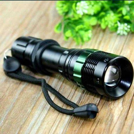 Продам нов влагозащищенный тактический фонарик светит до 1км