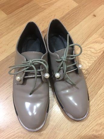 Продам лаковые лоферы/ботинки