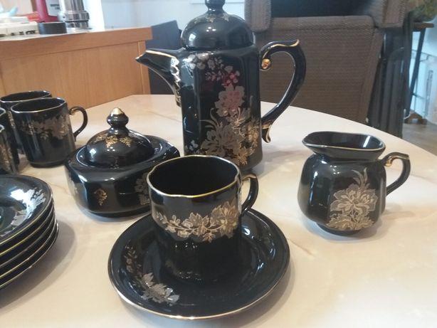 Кофейный фарфоровый  сервиз