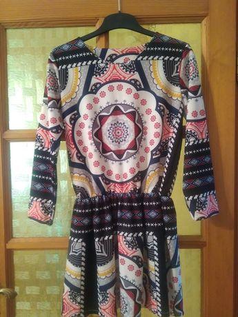 Sukienka z wzorami