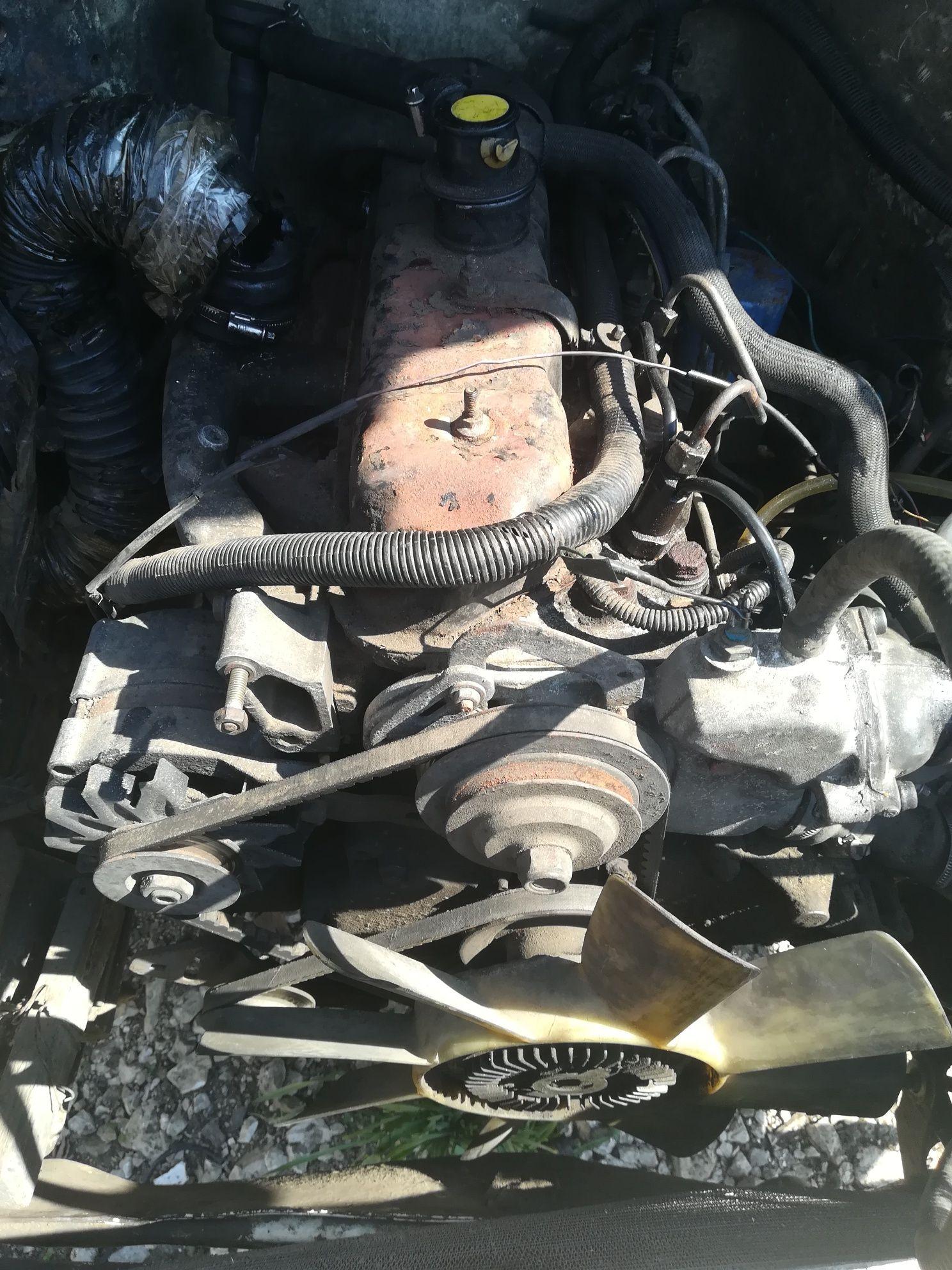 Двигун мотор двігатель даф 400 daf 400 2.5 дізель авторозборка