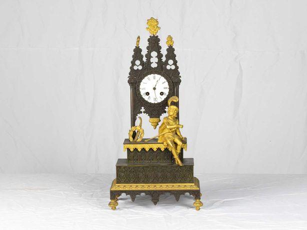 Relógio com escultura antiga clássico - século XIX
