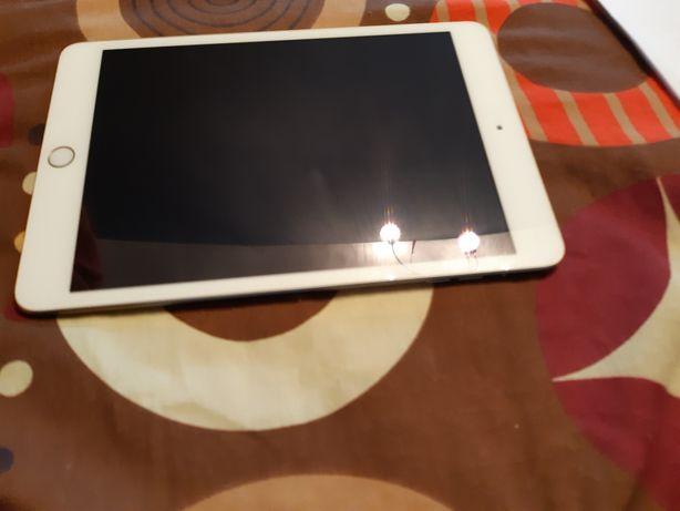Sprzedam Tablet apple