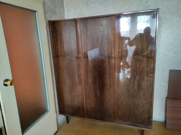 Szafa 3 drzwiowa drewniana zabytek PRL wysoki połysk antyk