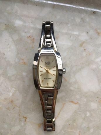 zegarek damski qq złoty srebrny zapinany jak nowy złota tarcza