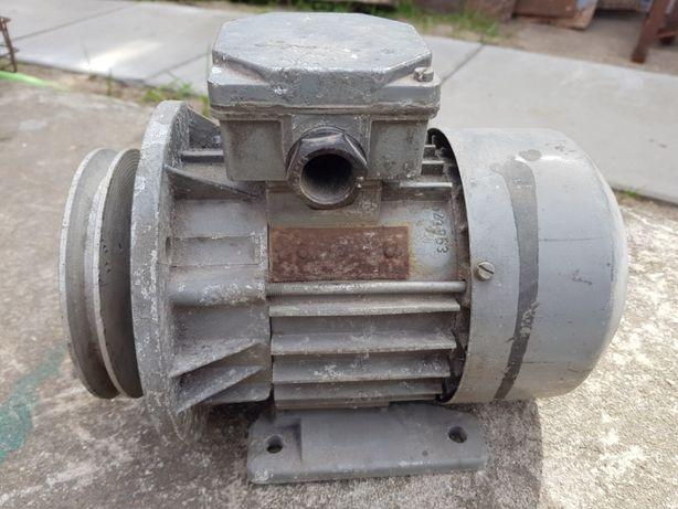 Silnik 0,75 kW koło pasowe