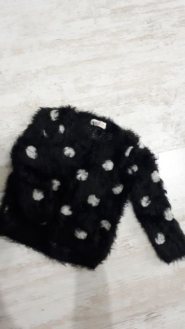 Włochaty sweterek H&M
