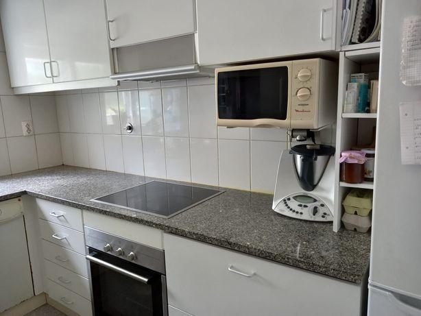 Vende-se Cozinha completa com electrodomésticos
