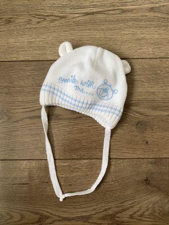 Осенняя шапочка для малыша до 3 месяцев