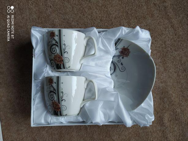 Подарочный набор чашки и блюдца