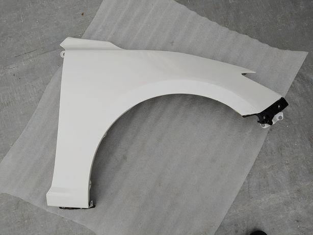 Mazda 3 BM праве крило