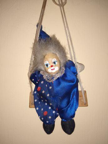 Sorzedam małą figurkę klauna, wielkość 18 cm