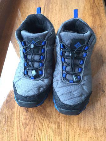 Демисезонные ботинки , кроссовки 36-37 размер