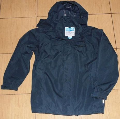 Продам куртку Tresspass на мальчика 11-12лет, ростом 146-152см