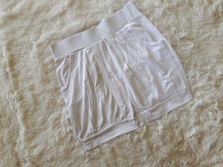 Biała spódniczka dresowa