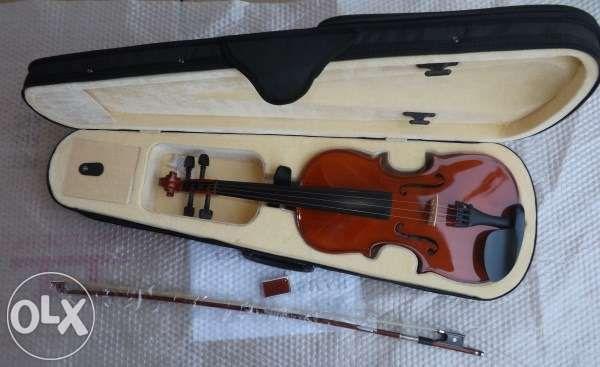 Violino de madeira castanho 3/4 novo e kit