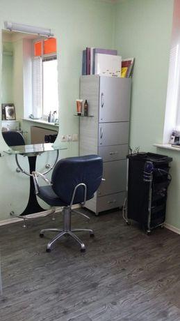 Сдается в аренду место парикмахера р-н Холодная Гора