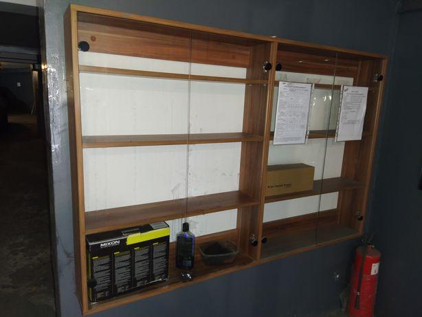Шкаф-витрина навесной