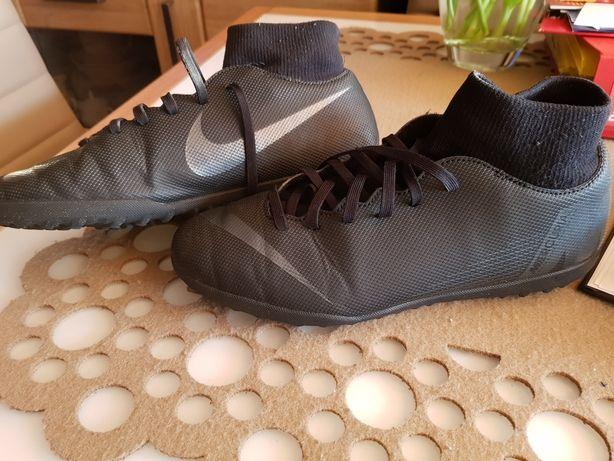 Nike Mercuroal Żwirówki 42 dlugosc wkladki 27 cm