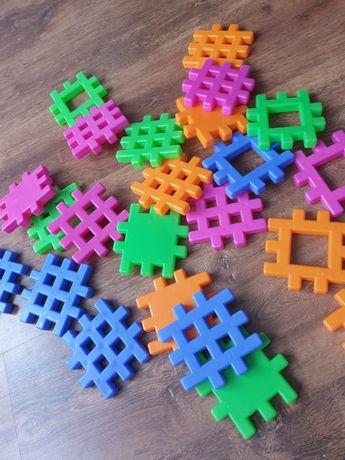 Puzzle waflowe konstrukcyjne