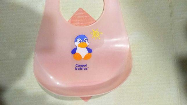 Слюнявчик для кормления малыша фирмы Canpol babies пластиковый