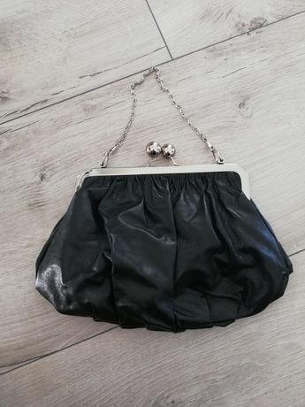 Czarna torebka retro