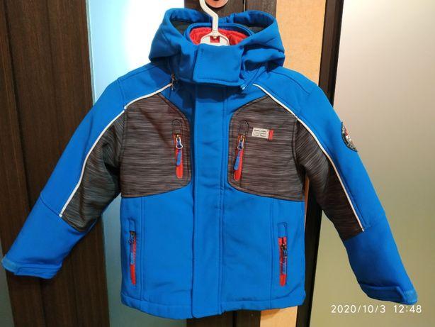 Куртка демисезонная 3 в 1 софтшел на 5-6 лет