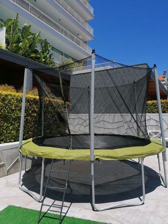 Aluguer de trampolins e insufláveis