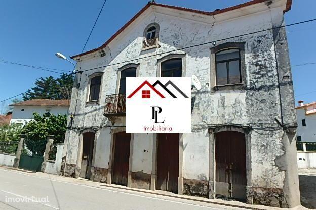 Moradia T3 Isolada, Castanheira de Pêra (V672PL)