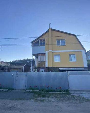 Продается 2-х этаж. дом в Стоянке. 139 м², 6 сот. Без комиссии