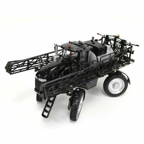 1:32 поливочный трактор RoGator Black Beauty