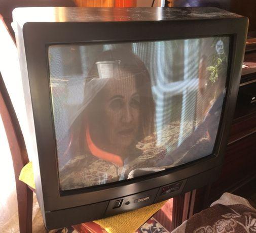 Telewizor Graetz Kongress 2151 VT EE, sprawny (zastępczy pilot)