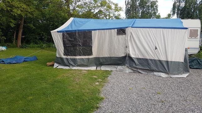 Przyczepa namiotowa