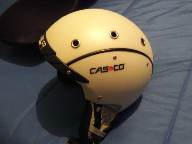 Capacete marca Casco com viseira Carrera