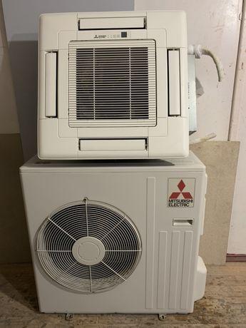 Инверторный кассетный кондиционер Mitsubishi Electric 24 (до 80 м2)