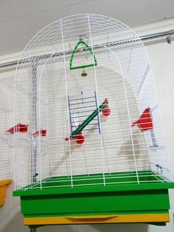 Продам клетки б/у и новые для попугаев корелл,ожреловы, неразлучников