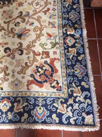 Vende-se Carpete Ponto Arraiolos