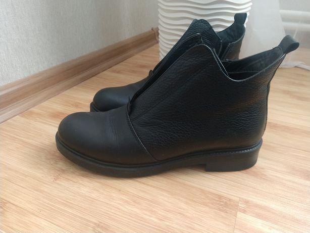 кожаные весенние ботинки